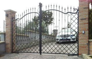 Cancello automatico KIKO Classic - cancello automatico in ferro battuto stile classico - ville e villini - Roma